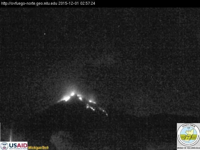 Fuego activity 01.12.2015 / 2:57 - webcam Insivumeh
