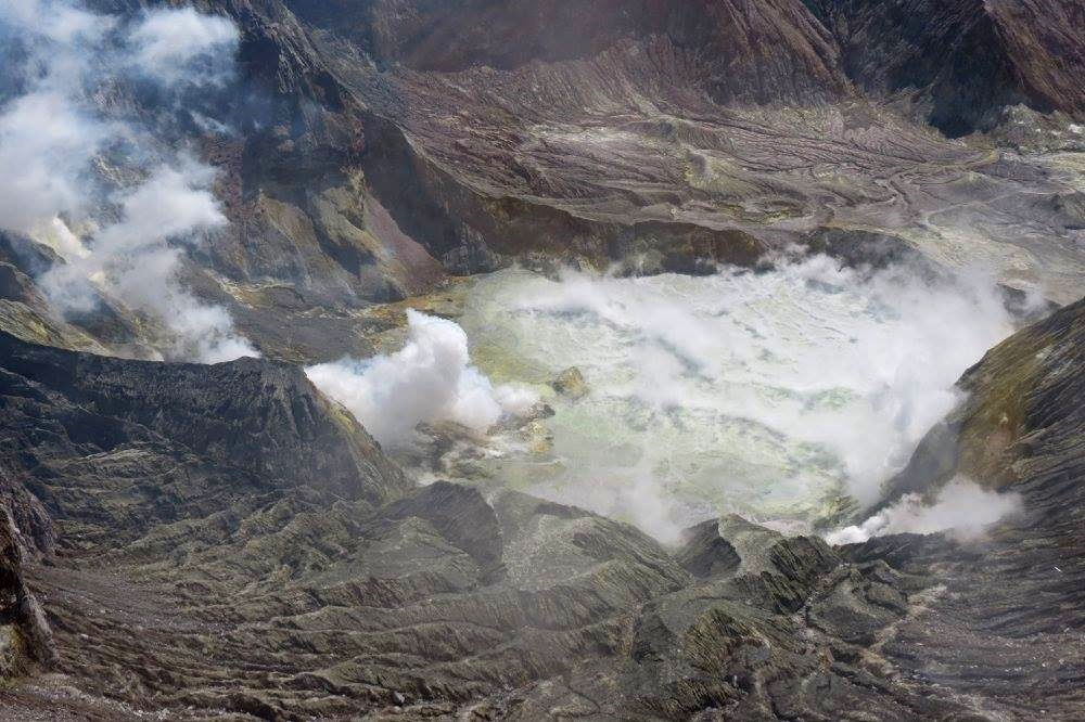 White island  - Le volcan sous pression ? - photo Geonet