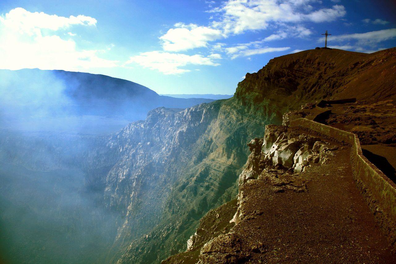 Masaya - Santiago crater - photo Bernard Duyck, 2007.