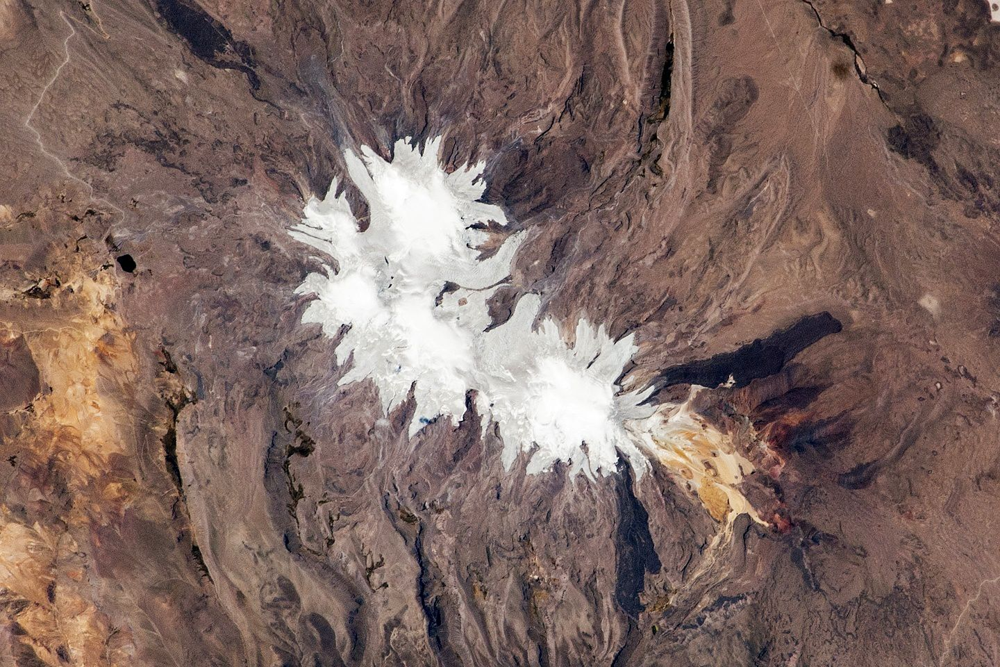 The Coropunna seen by ISS025-E-06163 - NASA Earth Observatory