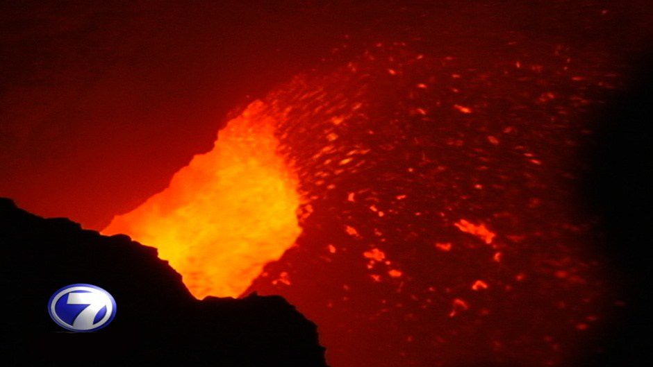 Masaya - the lava lake agitated by projections - Video of Telenoticias