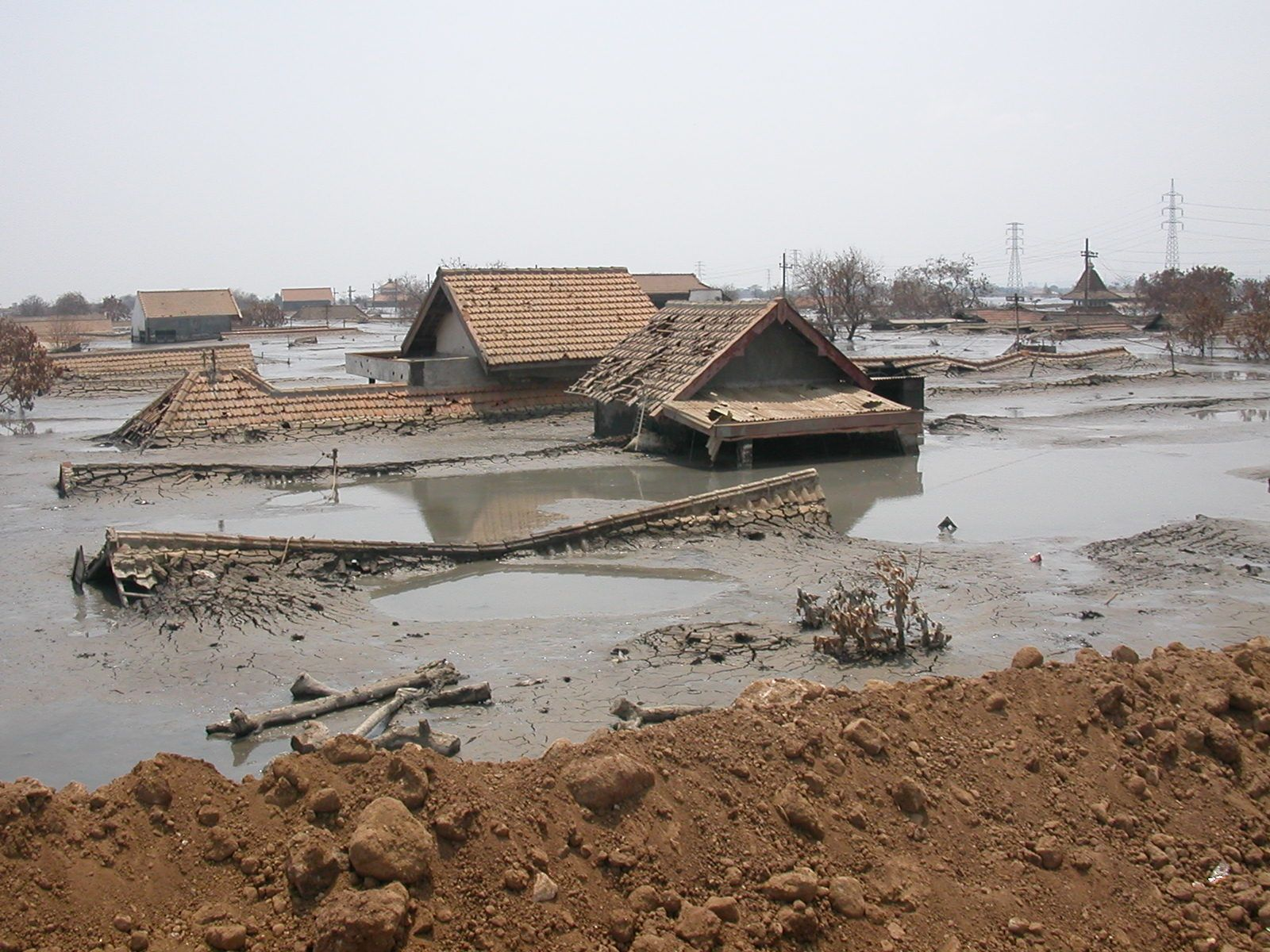 Sidoarjo - a village embedded in mud in 2006