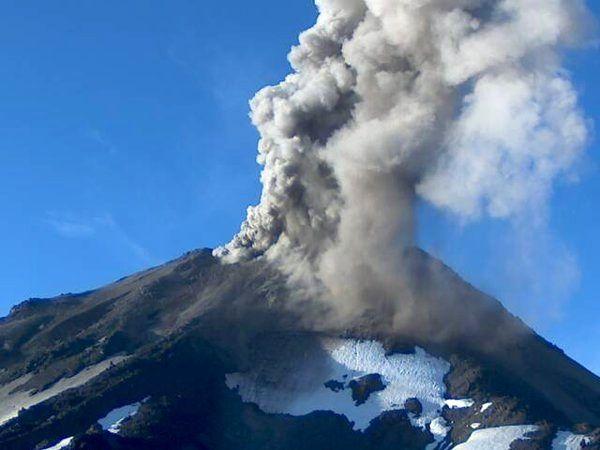 Nevados de Chillan - ash emissions on 01.31.2016 / 7:30 - Photo SERNAGEOMIN