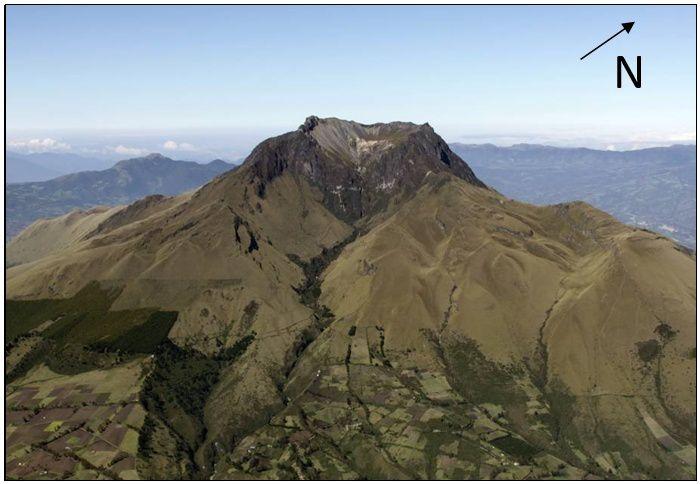 Le flanc sud*est de l'Imbabura - on peut remarquer les cultures qui remontent sur les flancs du volcan - photo P. Ramón / IGEPN / 28.01.2016.