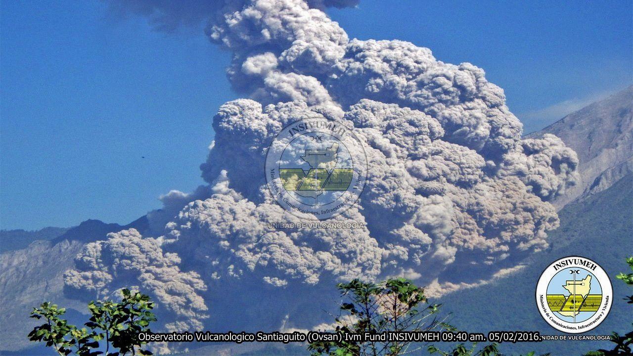 Santiaguito pyroclastic flow - 02.05.2016 / 9:40 loc. - Photo INSIVUMEH