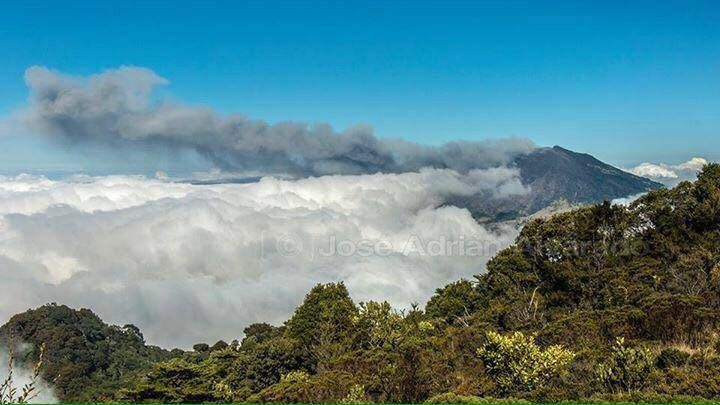 Turrialba 06.02.2016 -  photo José Adrián Alvarado via Ovsicori