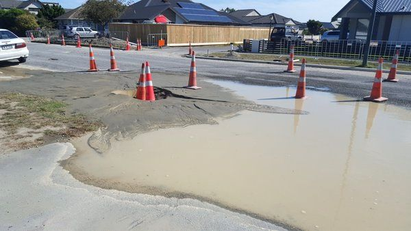Christchurch - 02/14/2016 - liquefaction in Bower Avenue - photo Sally Murphy / Twitter