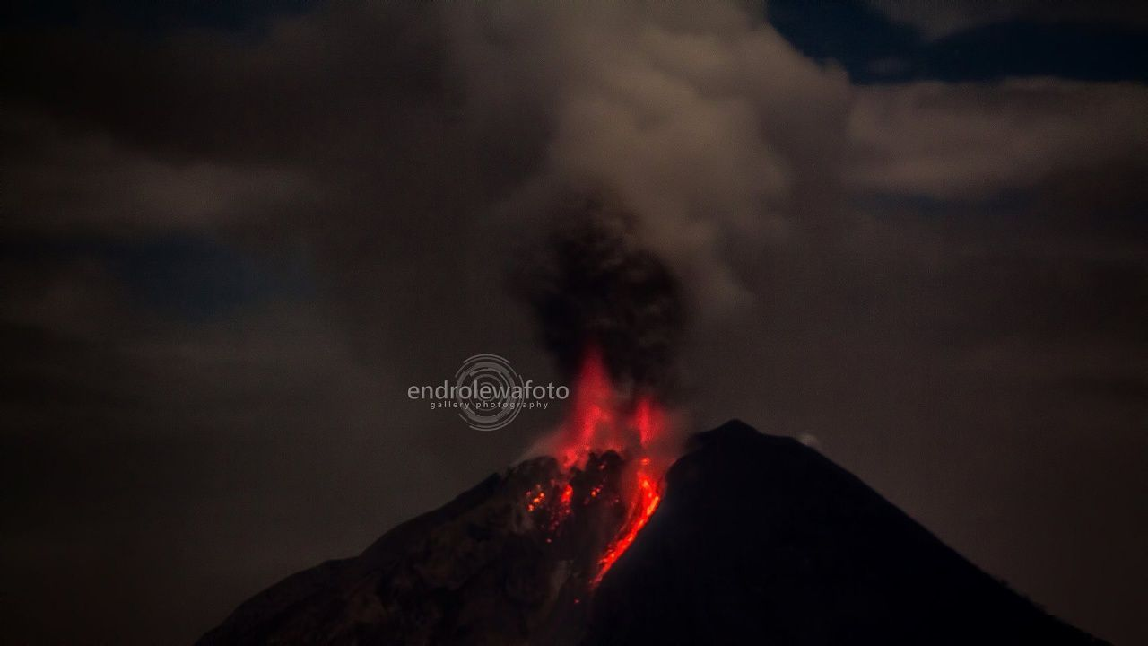 Sinabung - the explosion of 02/19/2016 / 8:03 p.m. - photo endrolewa