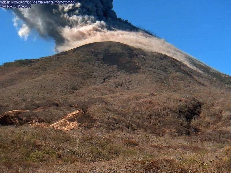 Momotombo - 21.02.2016 / 15h46 - photo Red sismologica de Nicaragua