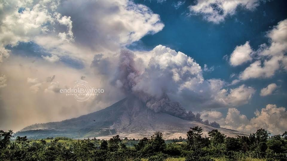 Sinabung - Coulée Pyroclastique du 23.02.2016 / 14h33 - photo Endrolewa