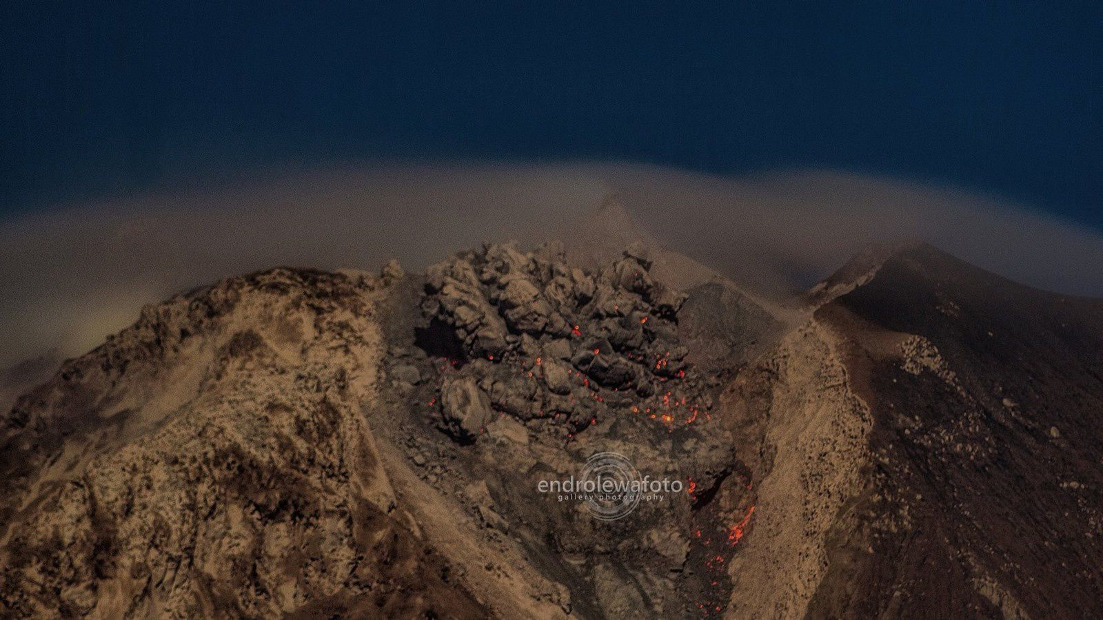The Sinabung dome, threatening and unstable - the 02.25.2016 / 11:04 p.m. - photo endrolewa