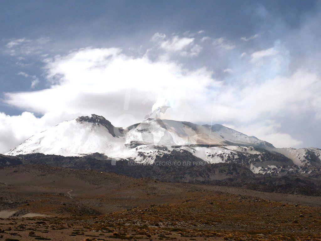 Sabancaya - activité fumerollienne - photo IG Peru deuxième quinzaine de mars.