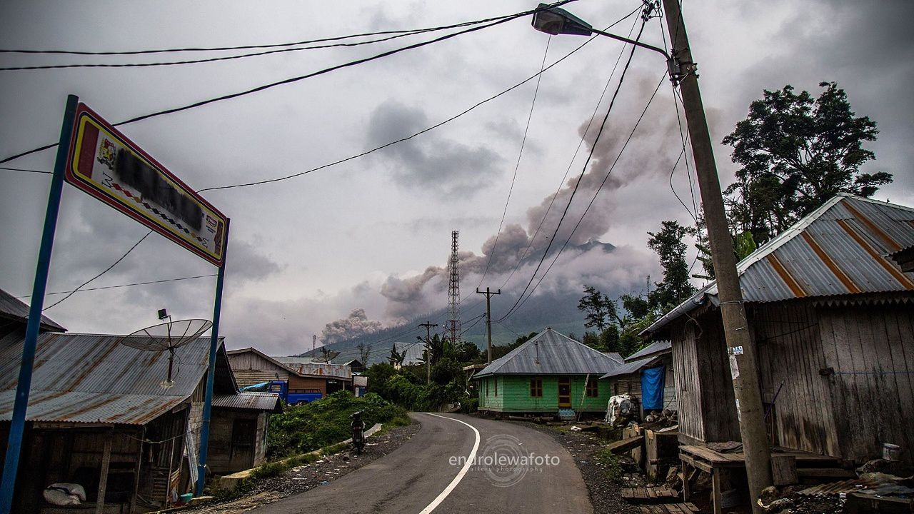 Sinabung - 03.22.2016 / 3:35 p.m. - photo endrolewa