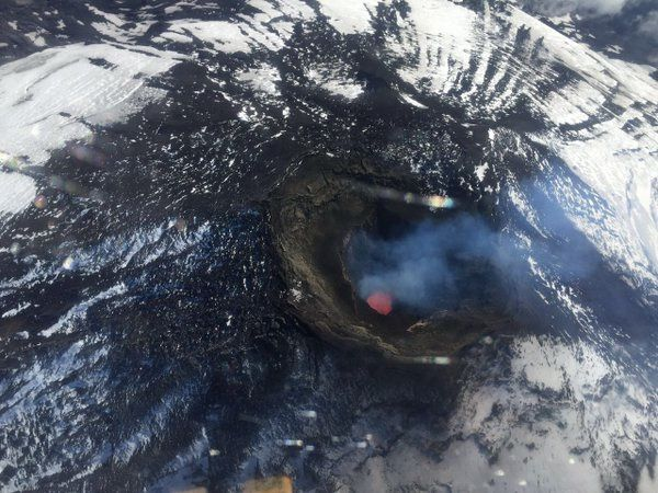 Villarica - the lava lake on 04/04/2016 during the flyoverl - Doc. SERNAGEOMIN