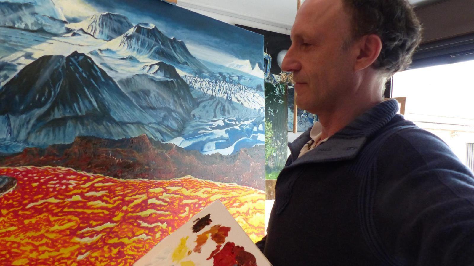 Le maître devant son oeuvre ... Jocelyn Lardy voyage entre Io et Europa, en Islande.