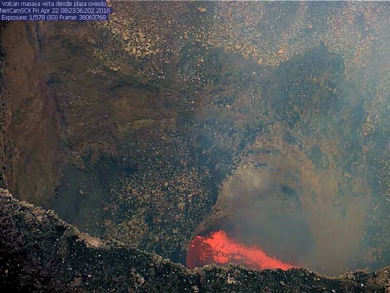 Masaya - the lava lake of the crater Santiago on 22/04/2016 / 8:23 - 2 Webcam INETER