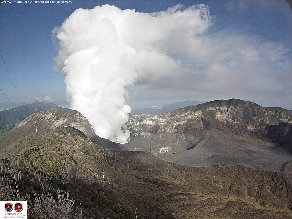 Turrialba - gas and steam plume 28.04.2016 / 8:45 - webcam OVSICORI