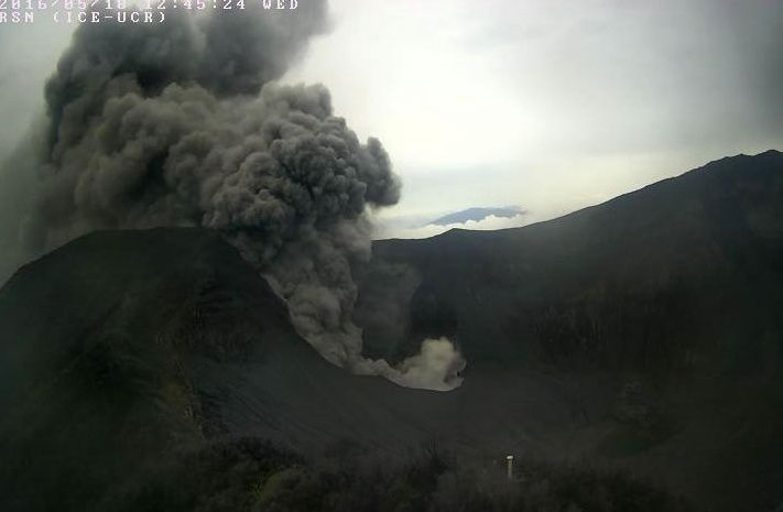 Turrialba - 18.05.2016 / 11h05 et 12h45 - photo RSN