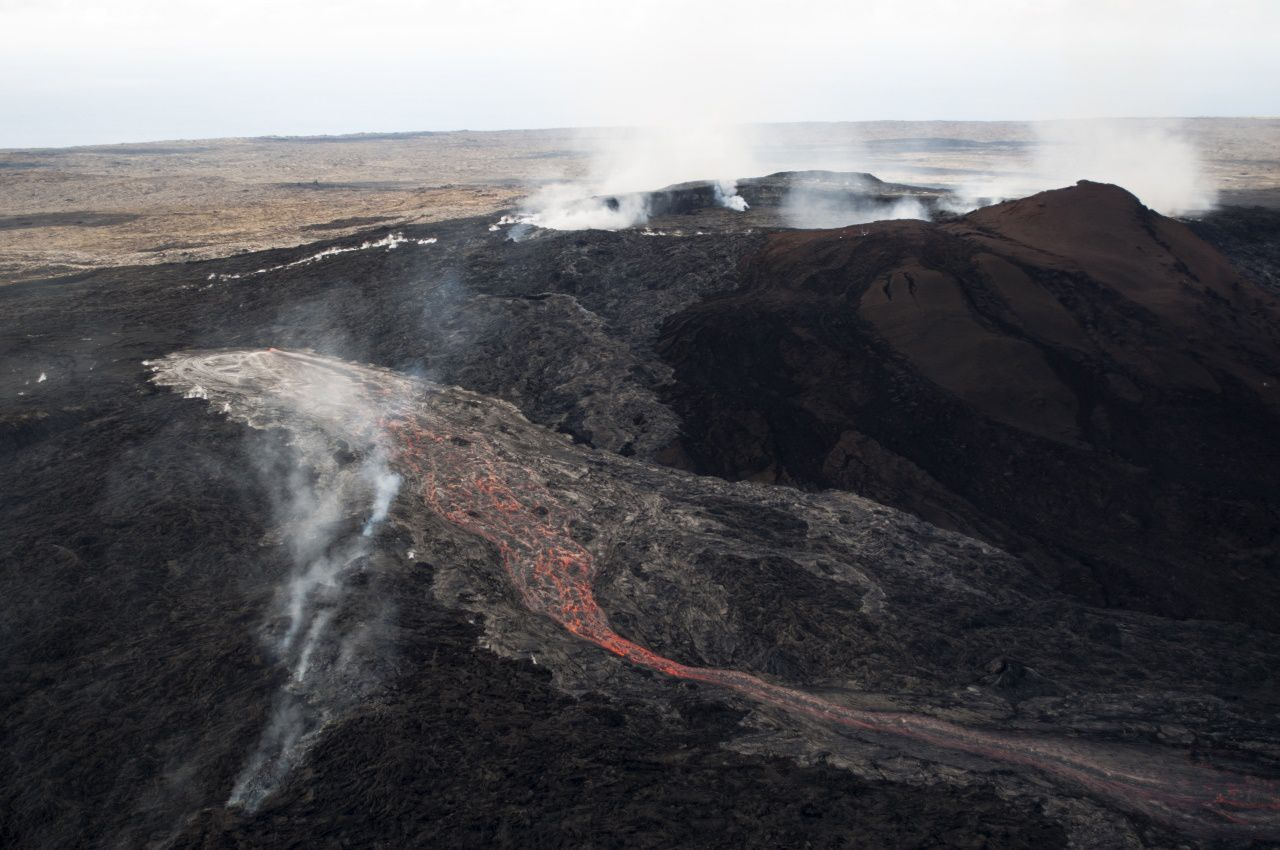 New breakout opened on 24 May on the slopes of Pu'u O'o - photo HVO