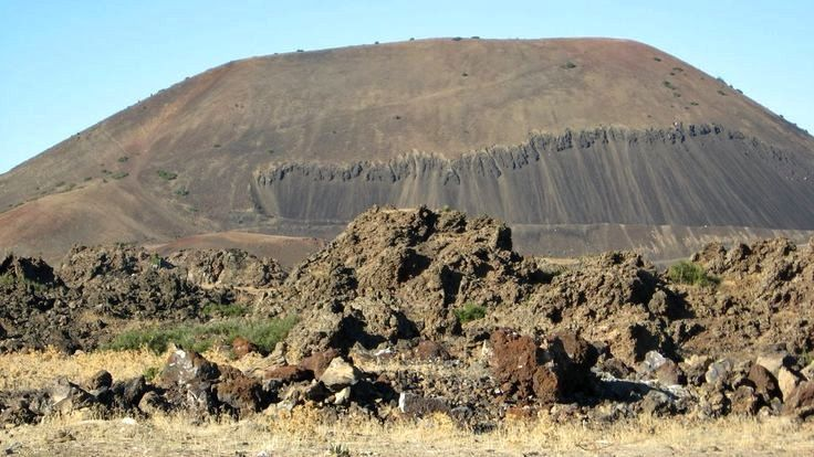Kula volcanic field - a cinder cone - Photo Pinterest