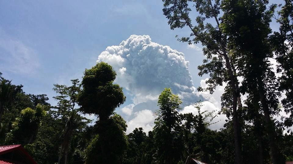 Bulusan - plume 06.10.2016 / 11:35 - photo Ocdv Jose Dee-Five