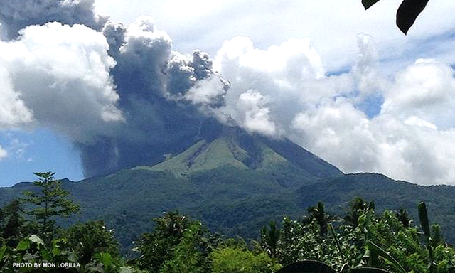 Mt. Bulusan, Sorsogon.- la dernière éruption - Photo courtesy of Mon Lorilla  / CNNPhils