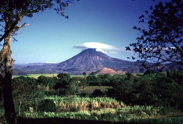 Cerro Chingo to the Guatemala-El Salvador border - Photo by Giuseppina Kysar 1999 (Smithsonian Institution).