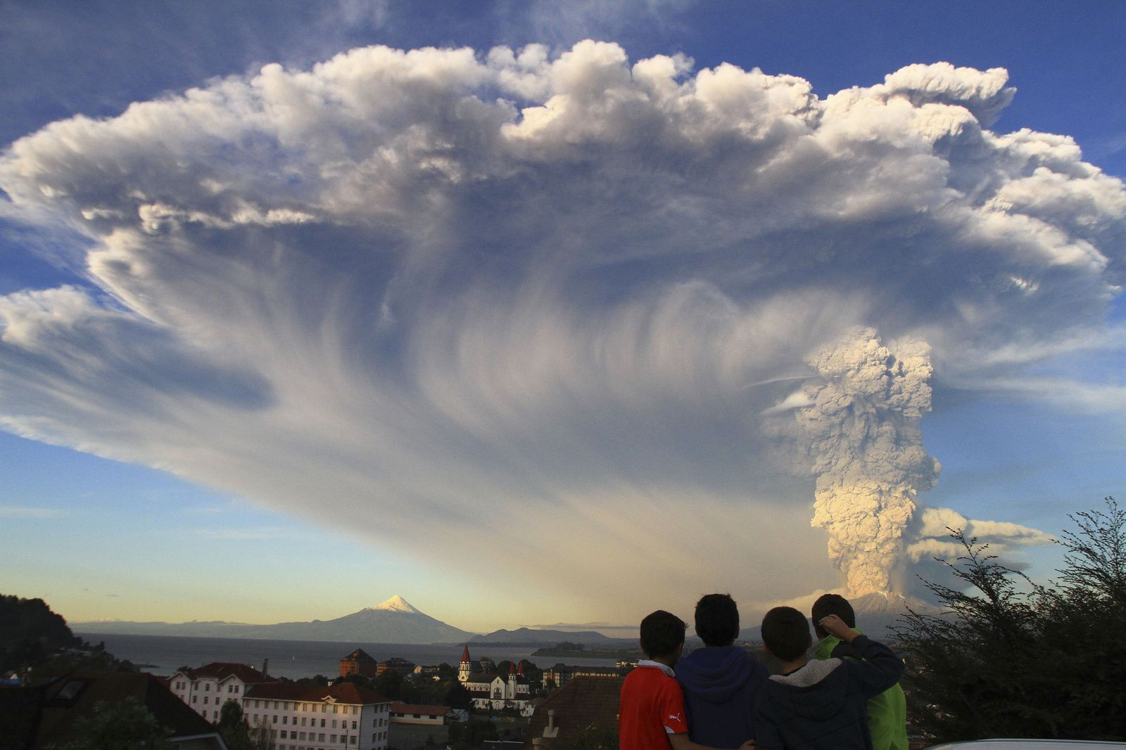 The last eruption of the Calbuco on 22/04/2015 - NBC News archives
