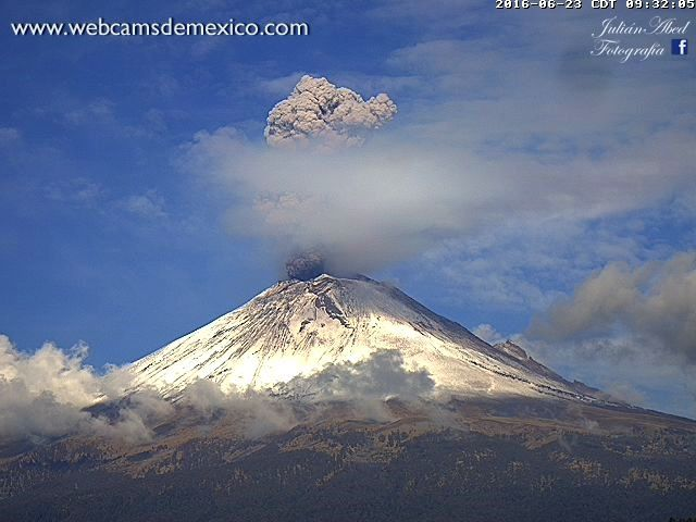 Popocatépetl  - photo WebcamsdeMexico 23.06.2016 / 9h32