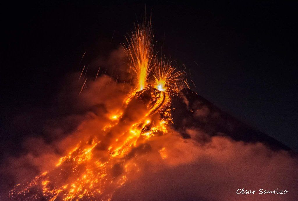 Fuego on 25/06/2016 - photo Cesar Santizo via Clima Guatemala