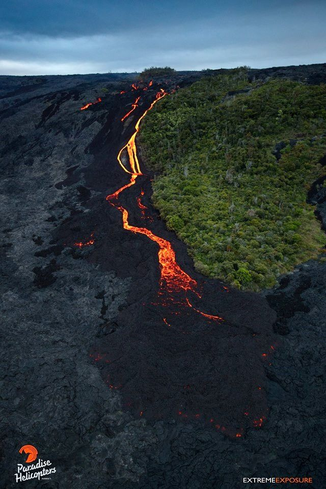 Pu'u O'o - Lava flow on Pali - 30.06.2016 / 6h - photo Paradise helicopters