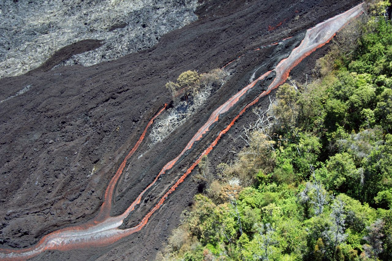Pu'u O'o' - 2016.06.30 - Channelized ʻaʻā remains active on the steep portion of the pali, with several parallel channels of swiftly moving lava. - photo HVO