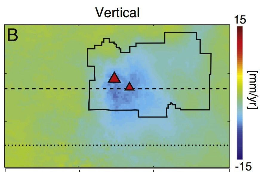 2016.06 Zone en subsidence du Lassen Volcanic center (grand triangle : Lassen peak - petit triangle : Reading peak) -  doc. WALKER AND OTHERS (2016), JOURNAL OF VOLCANOLOGY AND GEOTHERMAL RESEARCH