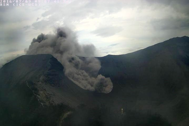 Turrialba - issuance of the ashes 09.07.2016 / 9:07 loc - Webcam RSN