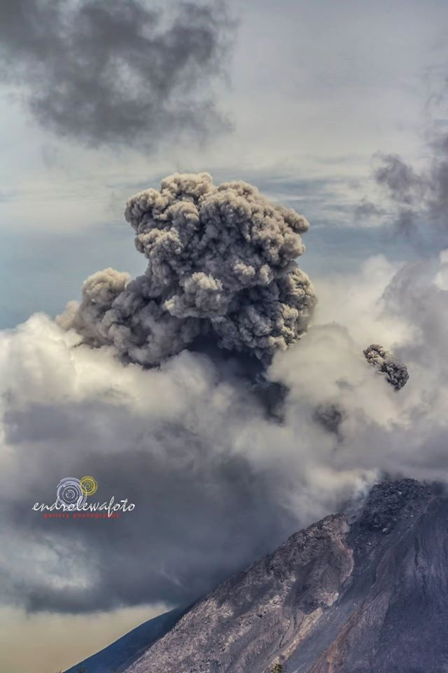 Sinabung - the 07.19.2016 / 24:55 - photo Endro Lewa