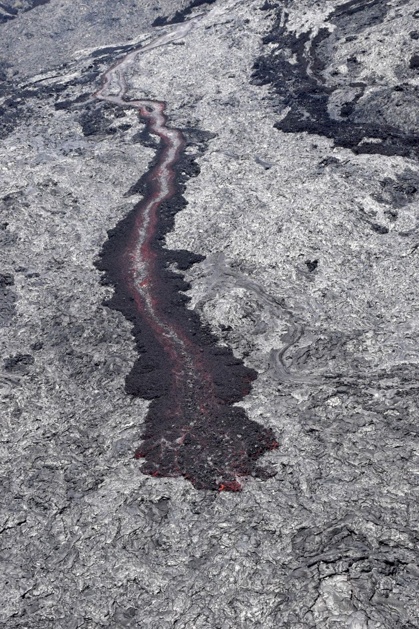 Hawaii, 61G flow - channeled lava flow to the base of the Pali 07.22.2016 - photo HVO