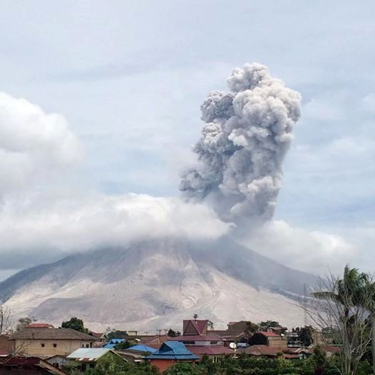 Sinabung - explosion du 08.08.2016 / 11h03 - photo PVMBG