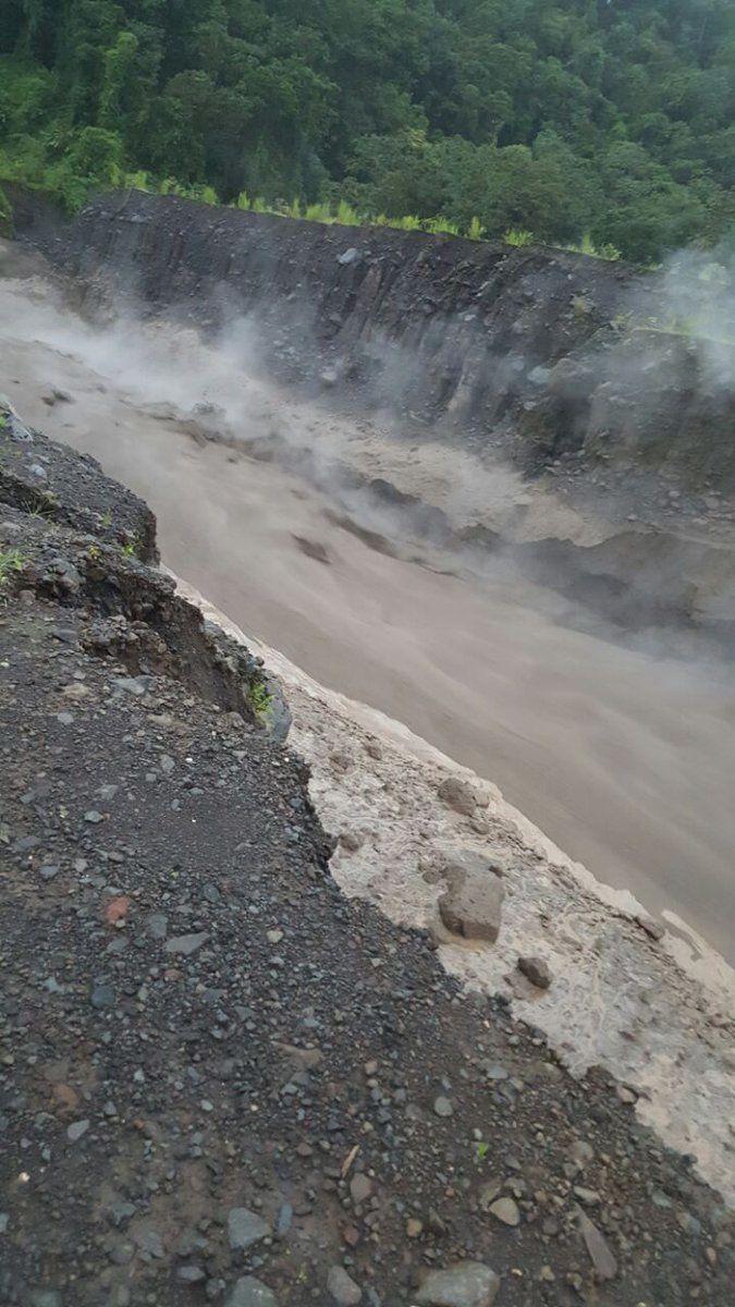 Lahar sur le rio Cabello de Angel le 08.08.2016 / dep. Quetzaltenango - photo Conred