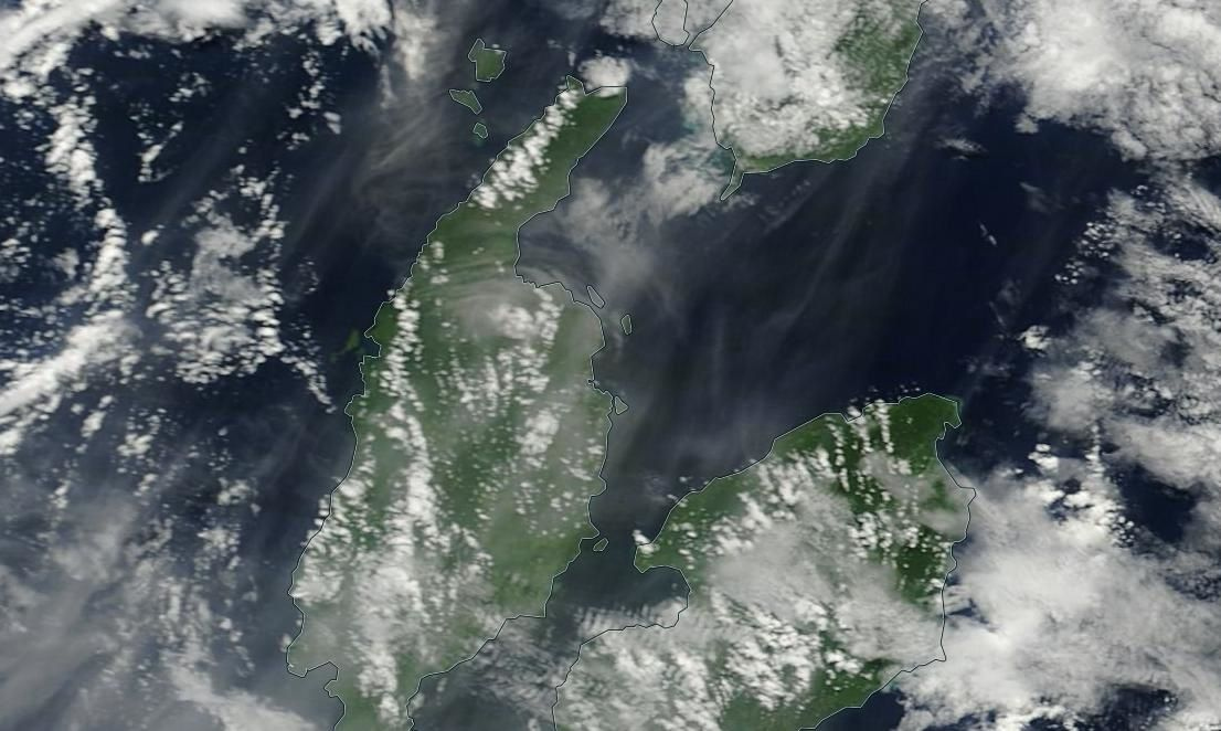 Plume of Dukono north of the island of Halmahera - doc. EOSDIS Worldview NASA Modis Terra 250m
