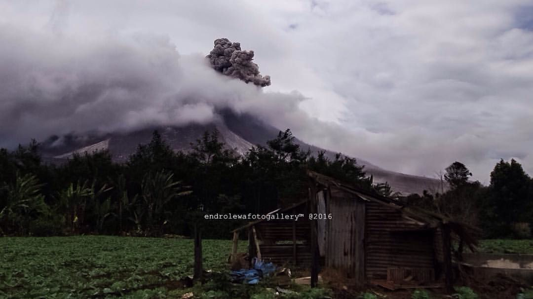 Sinabung - 08.25.2016 / 1:23 p.m. - photo endrolewa