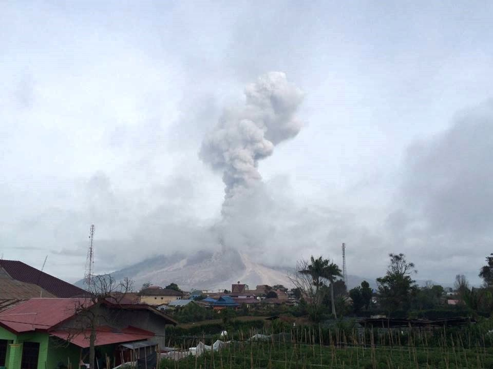 Sinabung - 08.29.2016 / 7:34 - photo PVMBG / Instagram