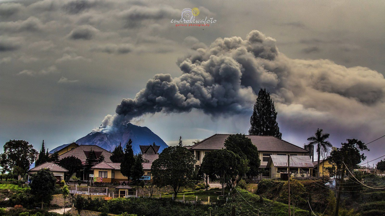 The Sinabung on 08/31/2016 at 15h13 loc. Photo Endro Lewa