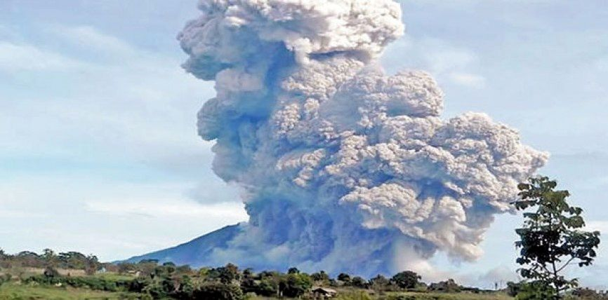 Sinabung coulée pyroclastique du 01.09.2016 - photo BPBD Kab Blitar