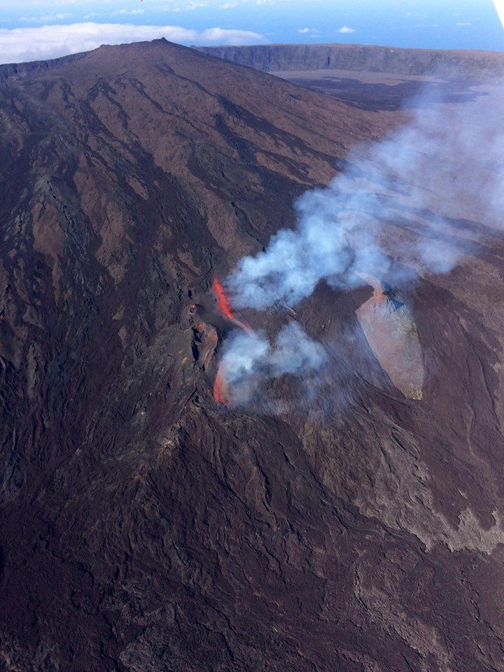 Piton de la Fournaise - 11/09/2016 - photo Survol de l'île de La Reunion