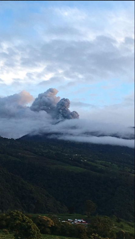 Turrialba seen from Capellades - photo Ovsicori / Vivianna López Gutiérrez / 13.09.2016
