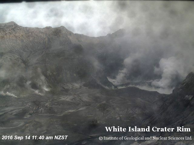 White Island crater rim - 09.14.2016 / 8 & 11.40 local time - Photos GeoNet