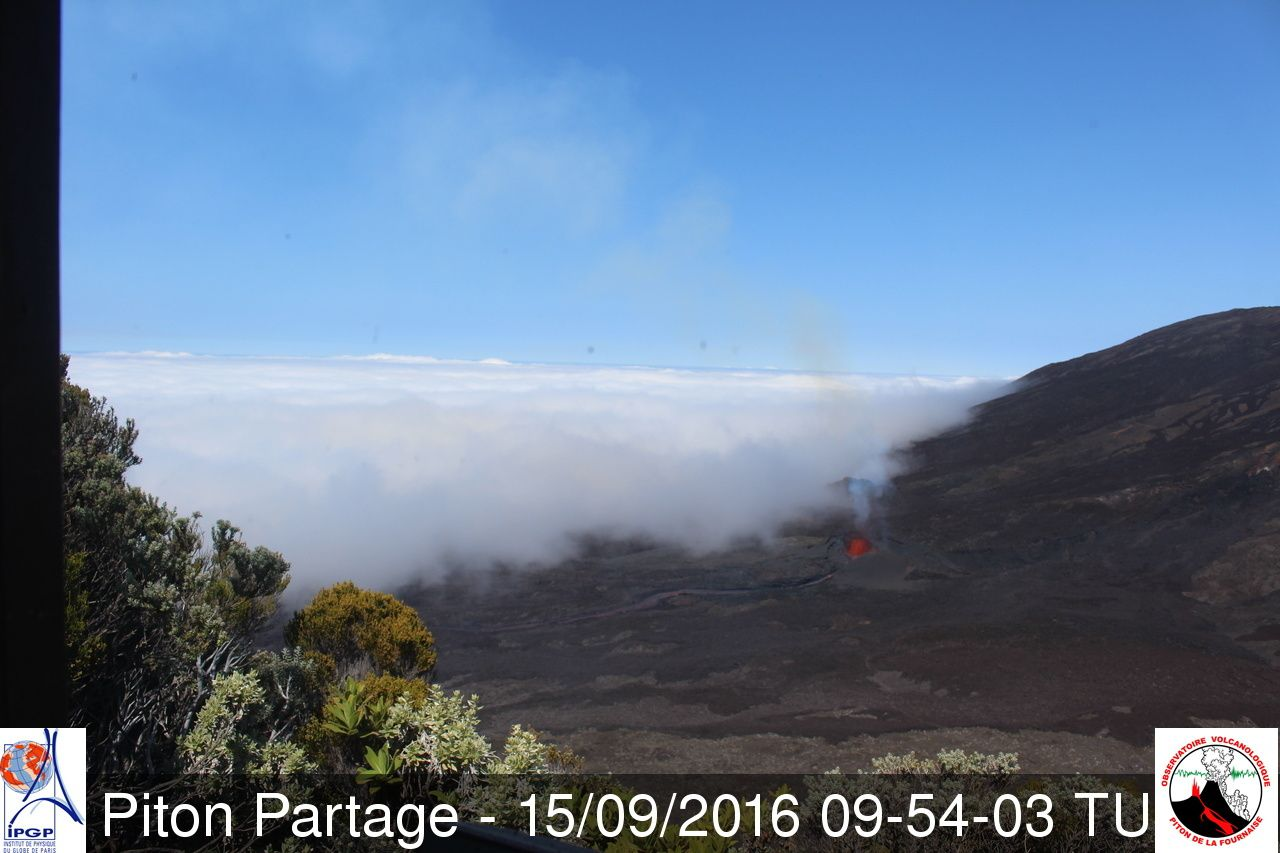 Piton de la Fournaise - the number of vents appears to decrease - Photo webcam Piton Partage 09.15.2016 / 9:54 GMT / OVPF