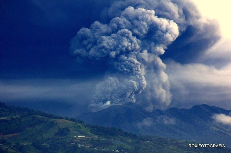 The Turrialba 22.09.2016 / 5:30 - photo Rocio Vega Morales via RSN