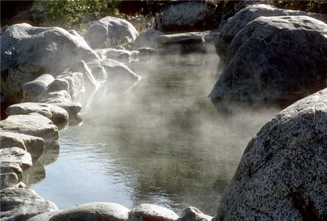 Meager hot spring pool - photo Black tusk