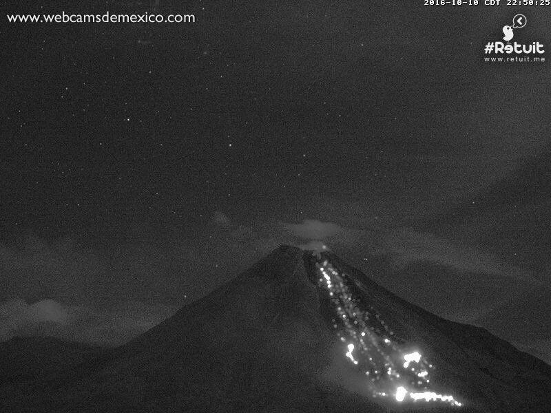 Colima - incandescence de la coulée le 10.10.2016 / 22h50 - webcamsdeMexico